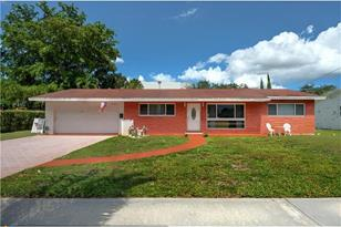 440 NW 43rd Ave - Photo 1