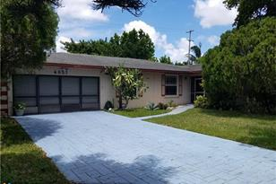 4857 NW 9th St - Photo 1