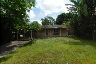 1526 SW 10th Ave - Photo 1