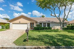 10899 NW 14th St - Photo 1