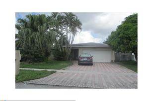 8205 NW 73rd Ter - Photo 1