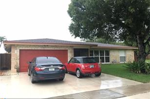 8008 NW 75th Ave - Photo 1
