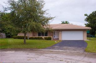 11241 NW 36th St - Photo 1