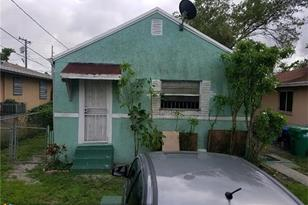 3156 NW 55th St - Photo 1
