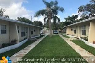 928 SW 15th Ter - Photo 1