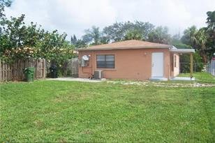 1401 NW 7th Ave - Photo 1