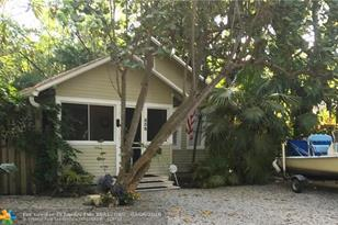 538 SW 14th Ave - Photo 1