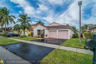 19155 NW 22nd St - Photo 1