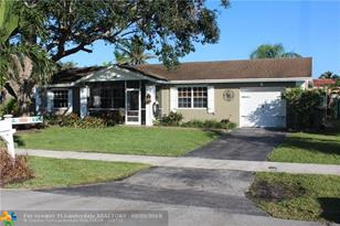 12521 SW 10th Ct - Photo 1