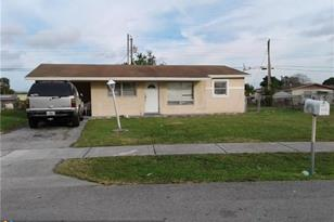 3258 NW 15th St - Photo 1