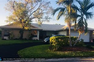2074 NW 102nd Ter - Photo 1