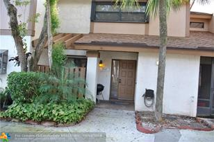 3045 NW 48th Ave, Unit #3045 - Photo 1