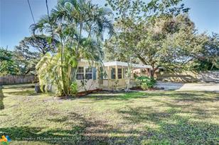 1820 SW 11th Ct - Photo 1