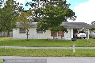 2451 SW 43rd Ave - Photo 1