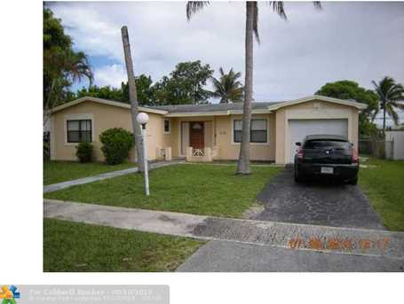3166 NW 39th Pl - Photo 1