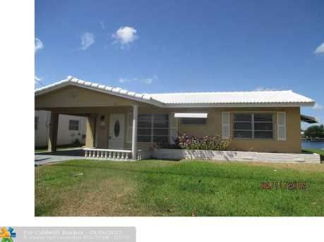 2501 NW 51st St - Photo 1