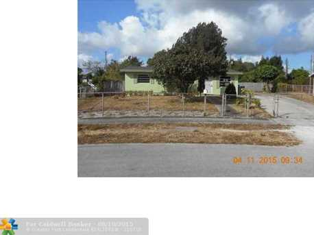 1812 NW 15th Ct - Photo 1