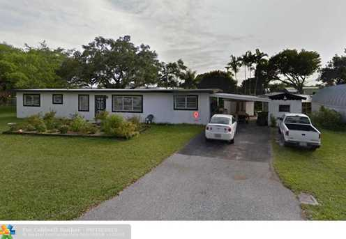 2612 SW 52nd Ct - Photo 1