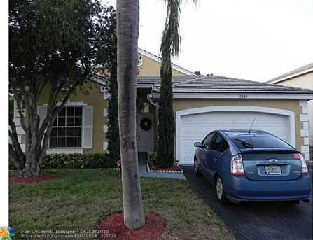5245 NW 54th St - Photo 1