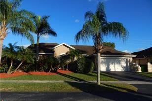918 SW 149th Ter - Photo 1