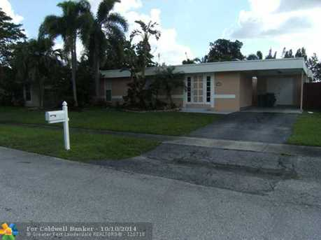 7822 NW 66th Ter - Photo 1