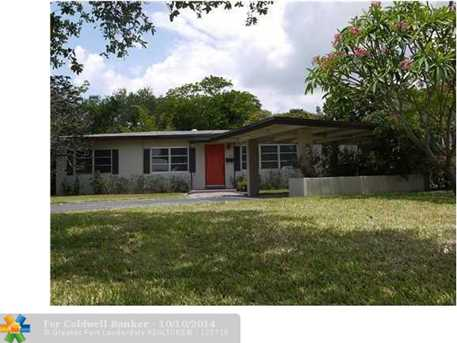 335 SW 18th Ave - Photo 1