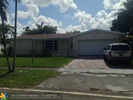 4071 NW 32nd Ave - Photo 1