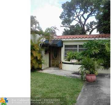 1020 SW 18th Ct - Photo 1