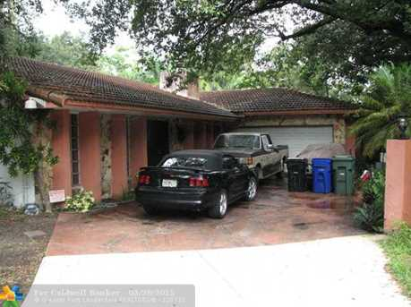2441 SW 30th Ter - Photo 1