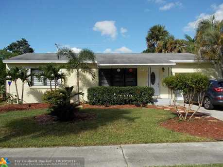 1447 SW 16th Ter - Photo 1
