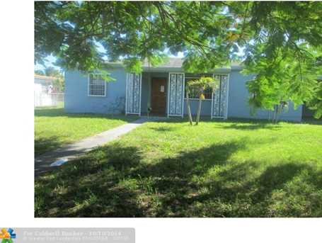 6860 SW 50th Ter - Photo 1