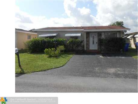 1750 NW 49th St - Photo 1