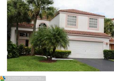 10481 NW 11th Ct - Photo 1