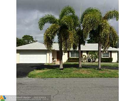 915 SW 28th Ave - Photo 1