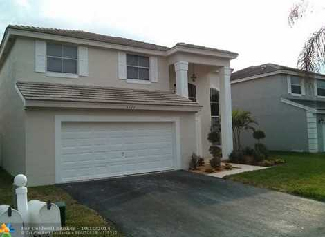 5322 NW 53rd St - Photo 1