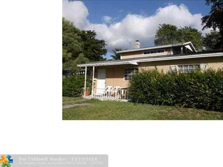 4951 SW 5th St - Photo 1