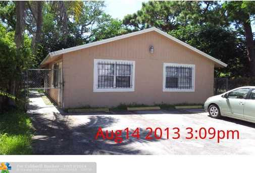 831 NW 14th Wy - Photo 1