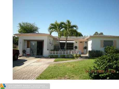 6912 NW 6th Ct - Photo 1