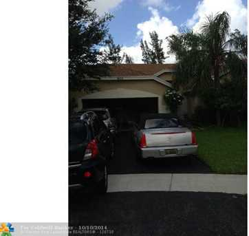 7435 NW 53rd St - Photo 1