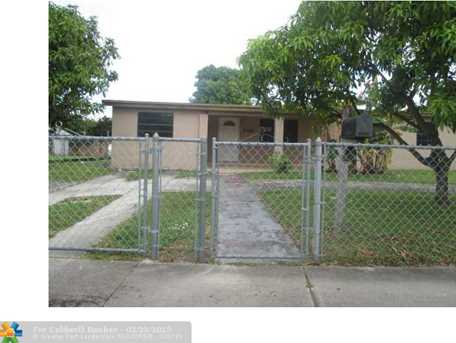 10765 SW 42nd Ter - Photo 1