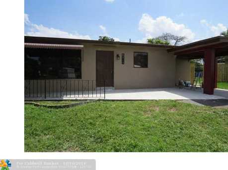 6210 NW 15th St - Photo 1