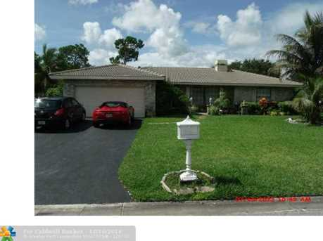 8866 NW 19th St - Photo 1