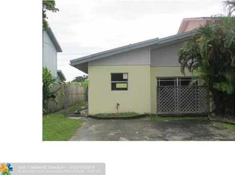 626 SW 80th Ter - Photo 1