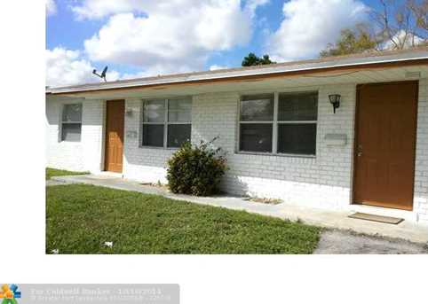 5621 NW 14th St - Photo 1