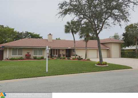 11160 NW 24th St - Photo 1