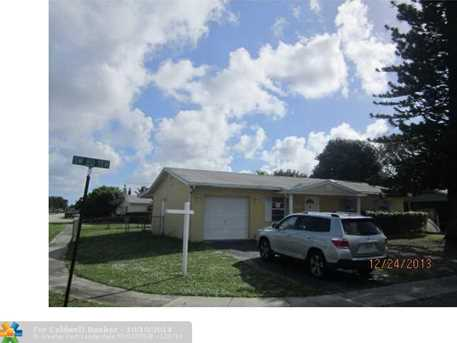 301 SW 80th Ter - Photo 1