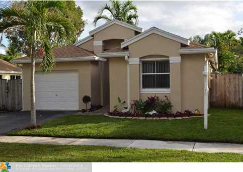4814 NW 14th Dr - Photo 1