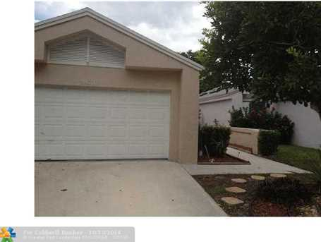 3860 NW 21st St - Photo 1