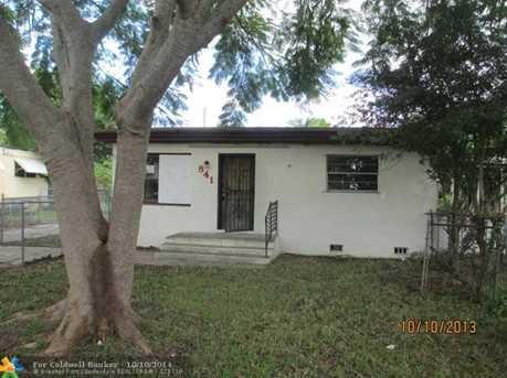 841 NW 105th St - Photo 1