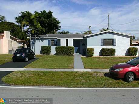 6251 NW 19th St - Photo 1